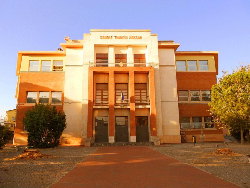Foto fronte scuole Paccini